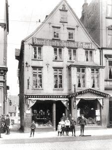 Ladengeschäft um 1905, Große Straße 10
